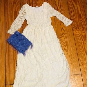 Dresses & Skirts - Long cream lace dress with sleeves